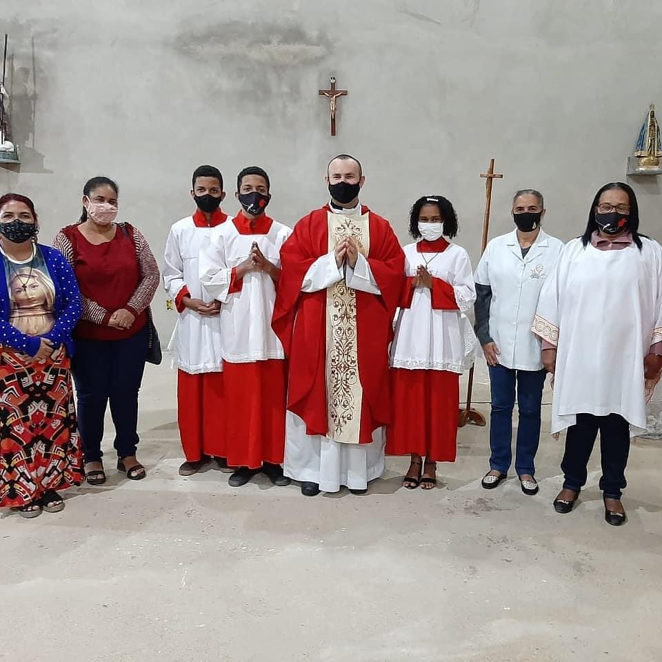 Brasil - Vigilia de la Solemnidad de San Juan Bautista en la Parroquia San Juan XXIII