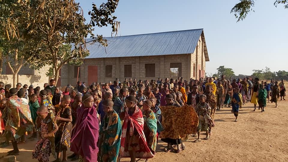 Tanzania - Mes de campamentos de niños
