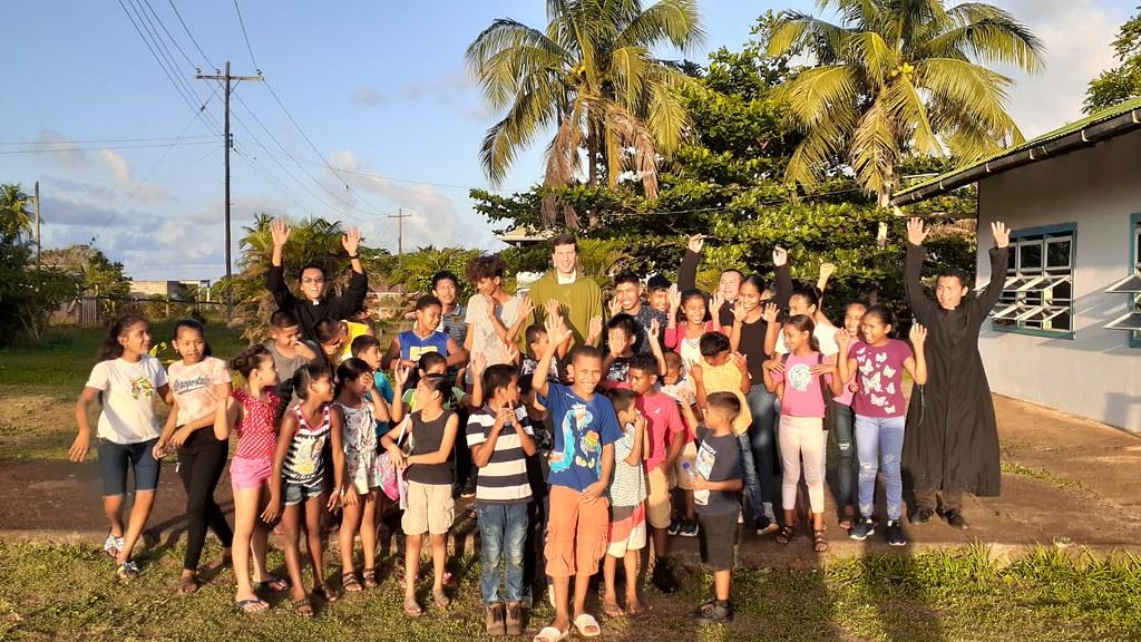 Guyana - Campamento de niños