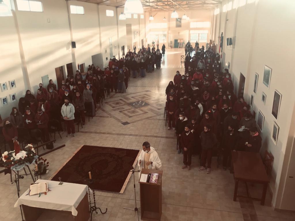 Argentina - Santa Misa en el colegio Isabel la Católica