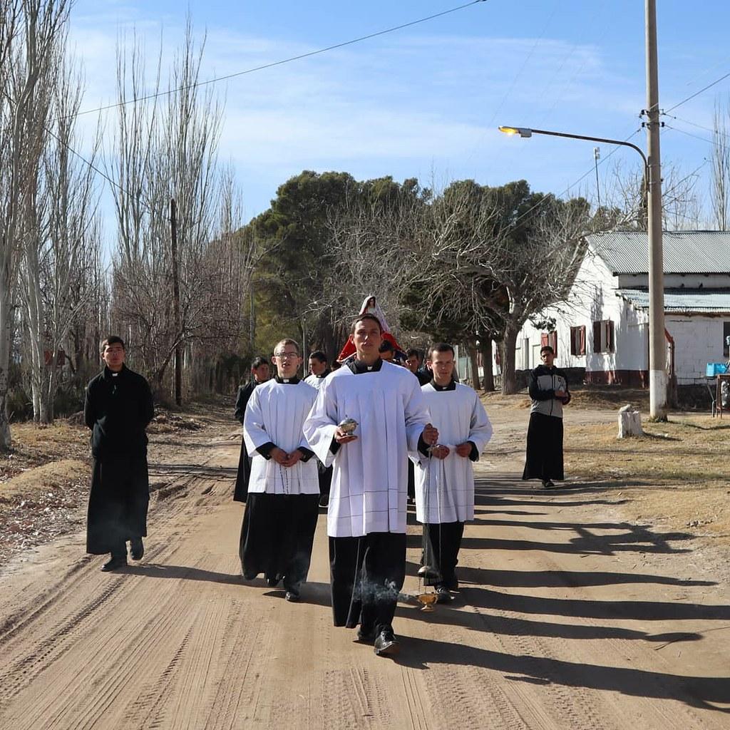 Argentina - Imposición de Escapularios de la Virgen de Luján a los novicios