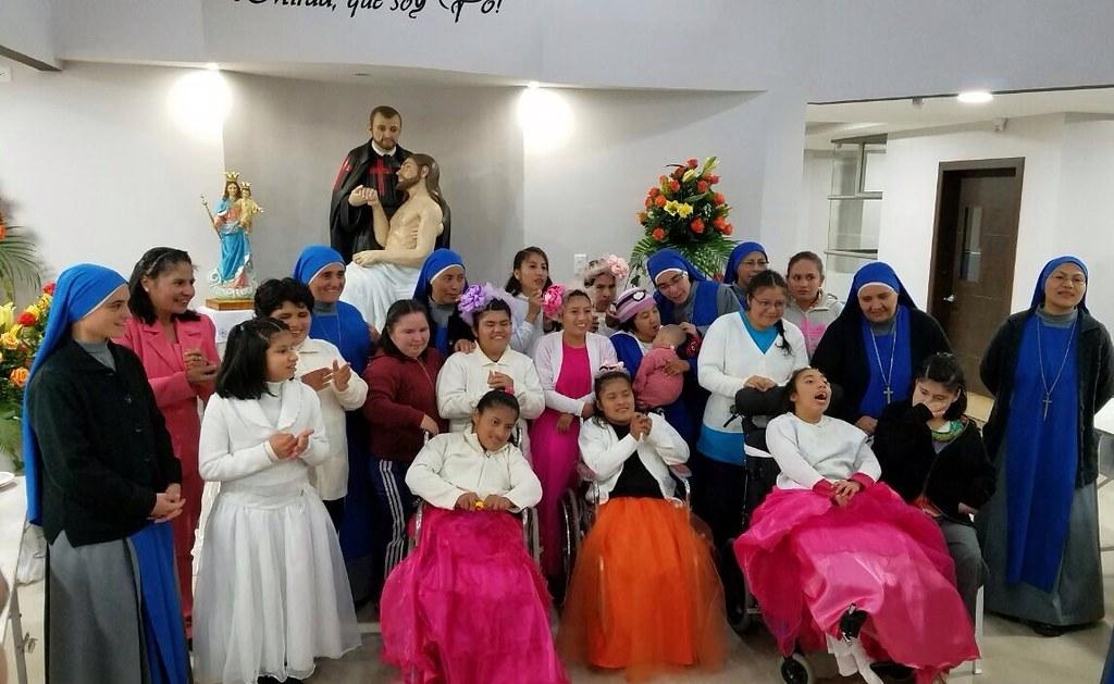 Ecuador - Fiesta patronal del Hogar San Camilo de Lellis en Loja