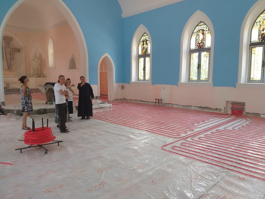 Uzbekistan - Trabajos de restauración de la centenaria Iglesia Parroquial