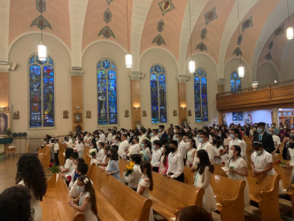 Estados Unidos – 95 niños recibieron el Escapulario y se consagraron a la Virgen