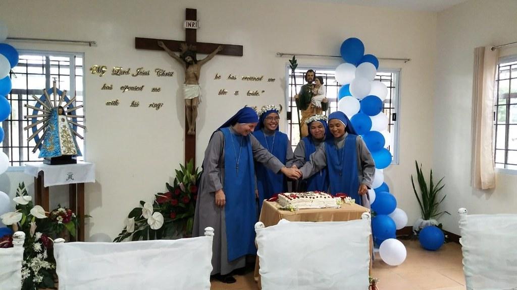 Filipinas - Votos Perpetuos de dos hermanas contemplativas en el Monasterio San José