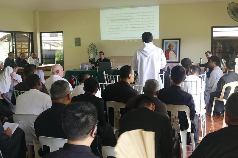 Filipinas - Seminário Mayor - Conferencias sobre la exhortación Vita Consecrata