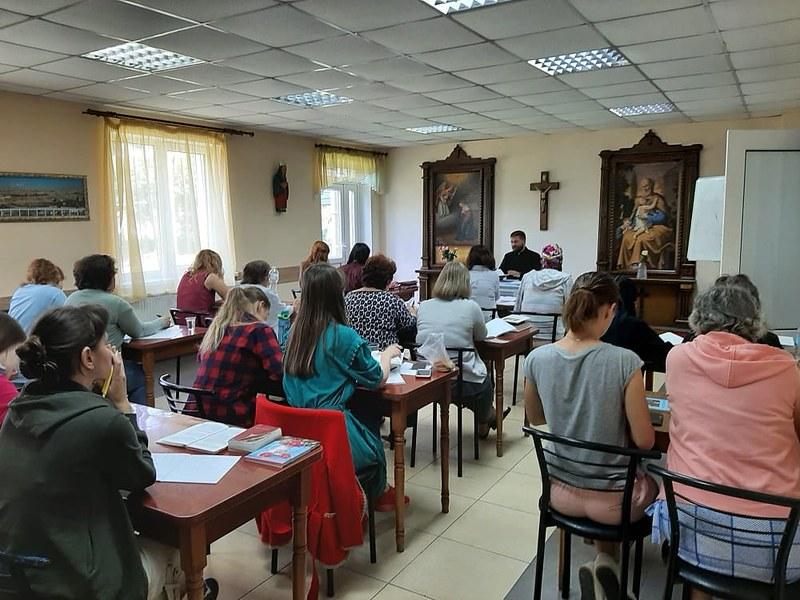 Ucrania - ejercicios espirituales para mujeres en Burshtyn