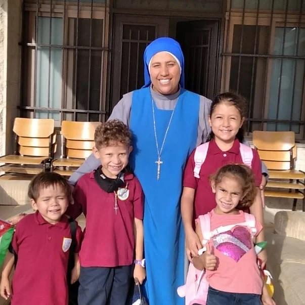 Jordania - Primer día de escuela en Anjara