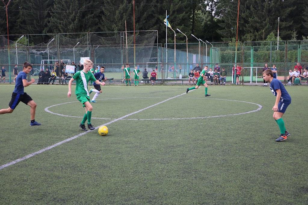 """Ucrania - Torneo de fútbol """"San José"""" para jóvenes en Burshtyn"""