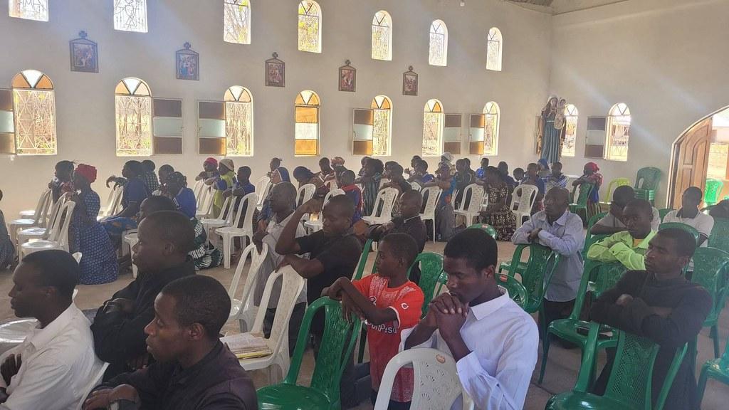 Tanzania - Preparación para la consagración a la Virgen