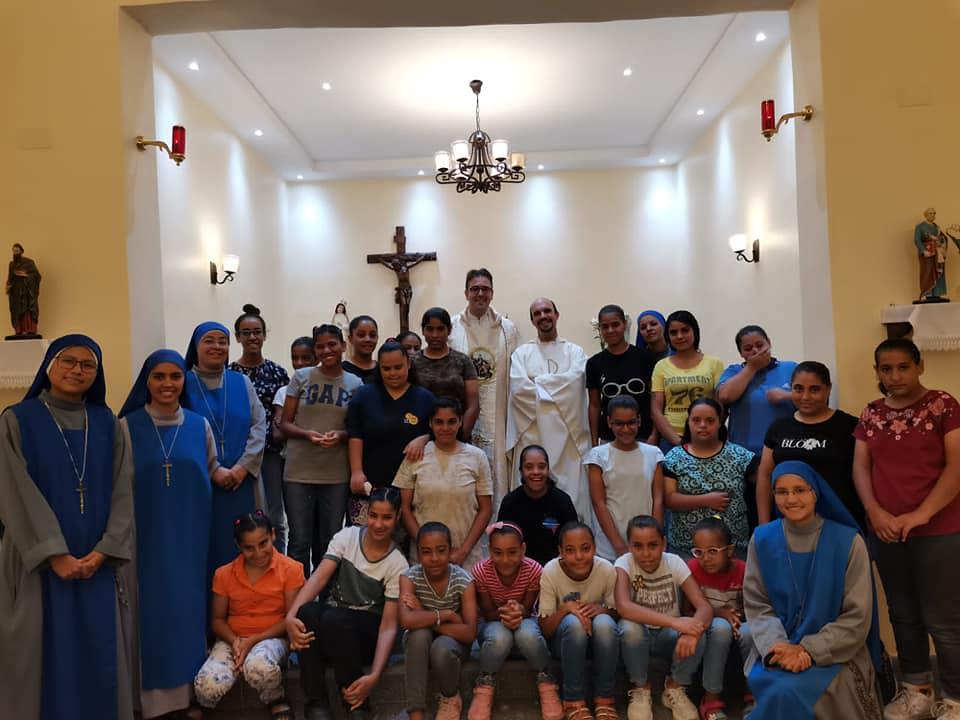 Egipto - Misa con sacerdotes españoles en el Hogar de niñas en Cairo
