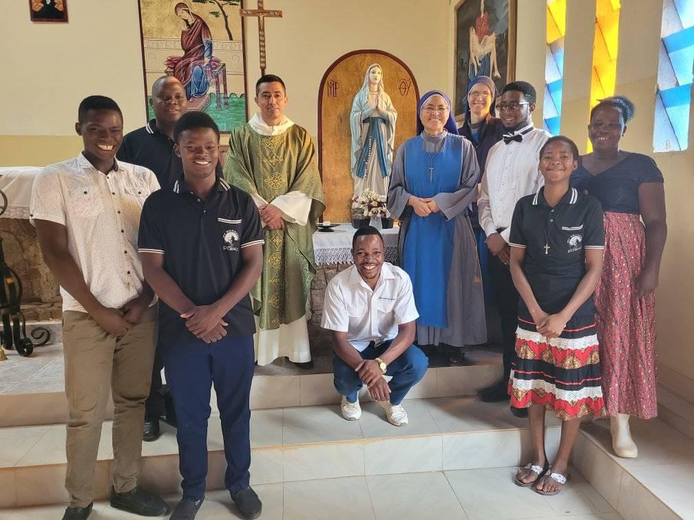 Tanzania - Fiesta de San Bernardo patrono del dispensario