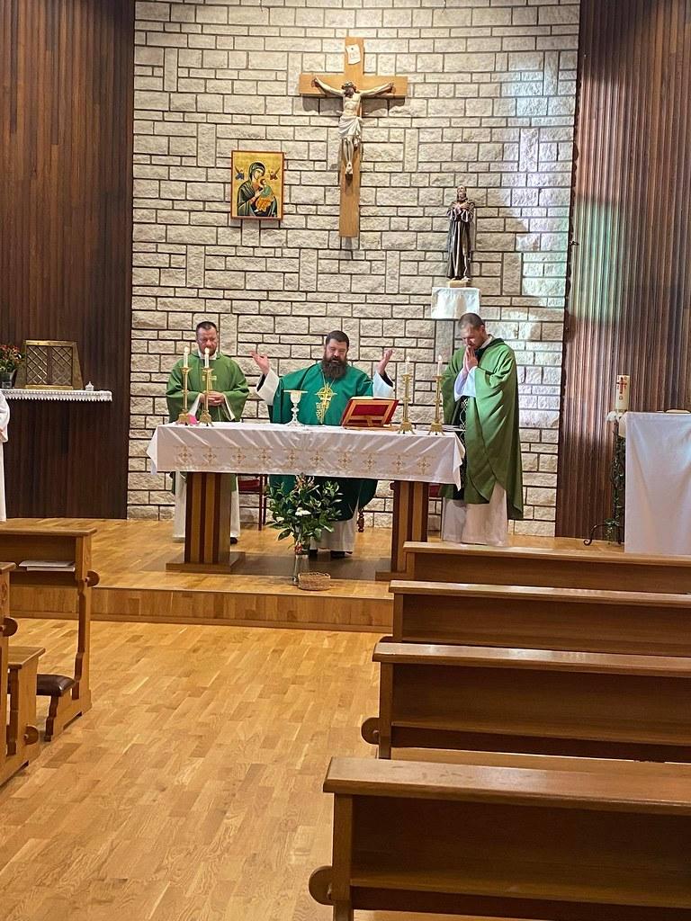 Islandia - Misa con el obispo y el nuevo párroco de Stykkishólmur