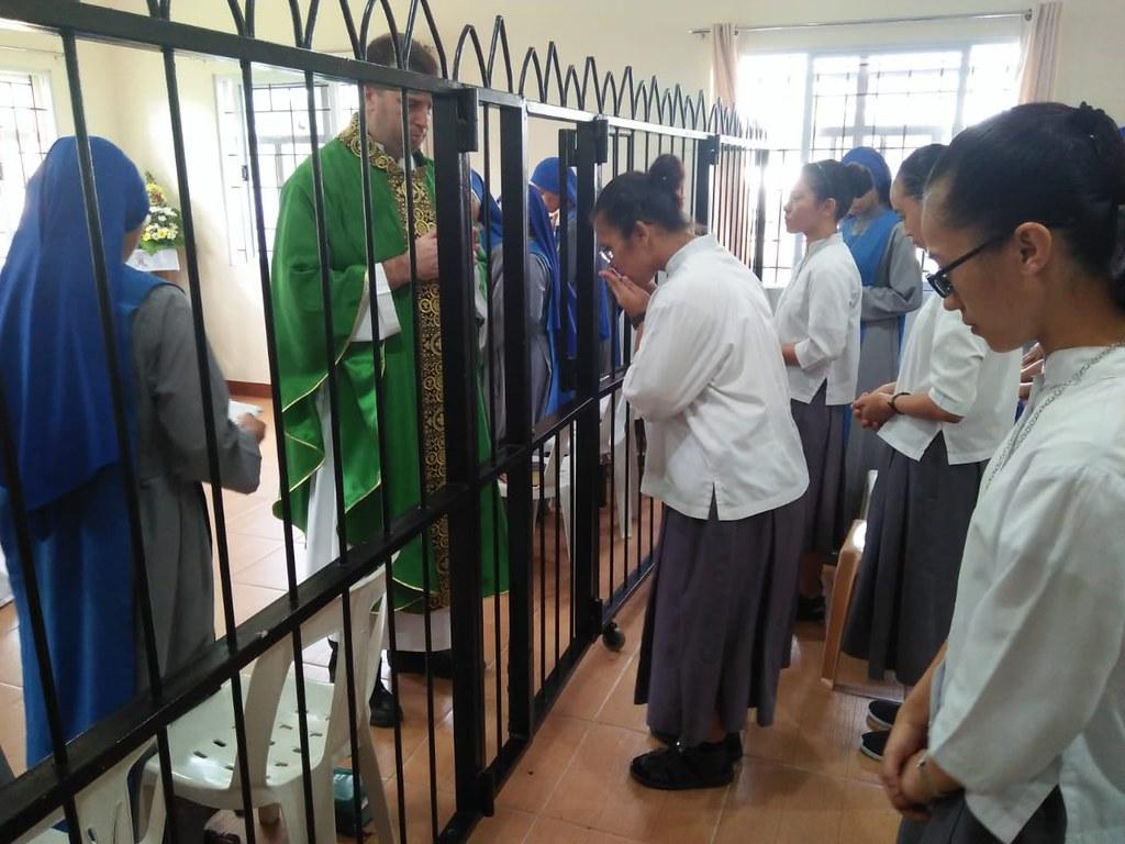 Filipinas - Las postulantes recibieron la Cruz de Matará