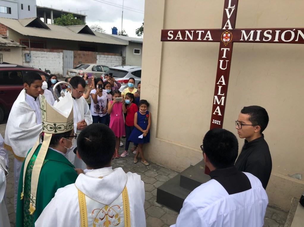 Ecuador. - Santa misión en la Troncal