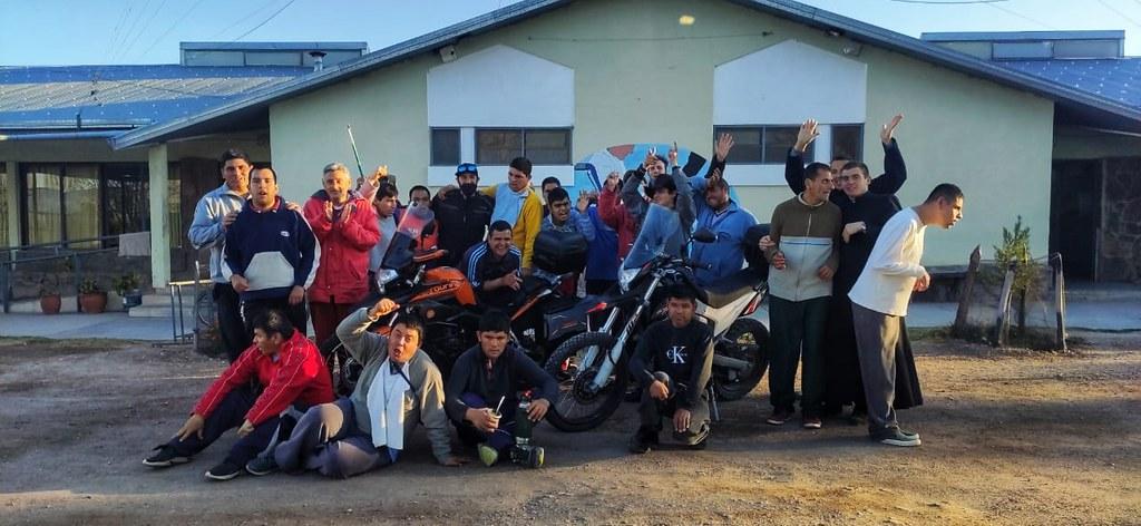 Argentina - Paseando en moto con los chicos del Hogar San Martin de Tours