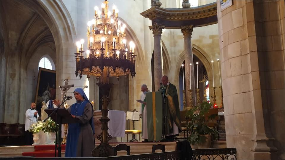 Francia - Misa de despedida del P. Jean-Marie Baudry en la Catedral de Saintes