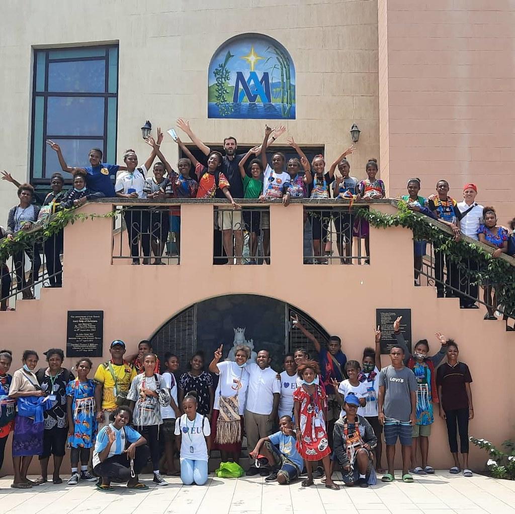 Papúa Nueva Guinea - Visita a los colegios Don Bosco y Caritas
