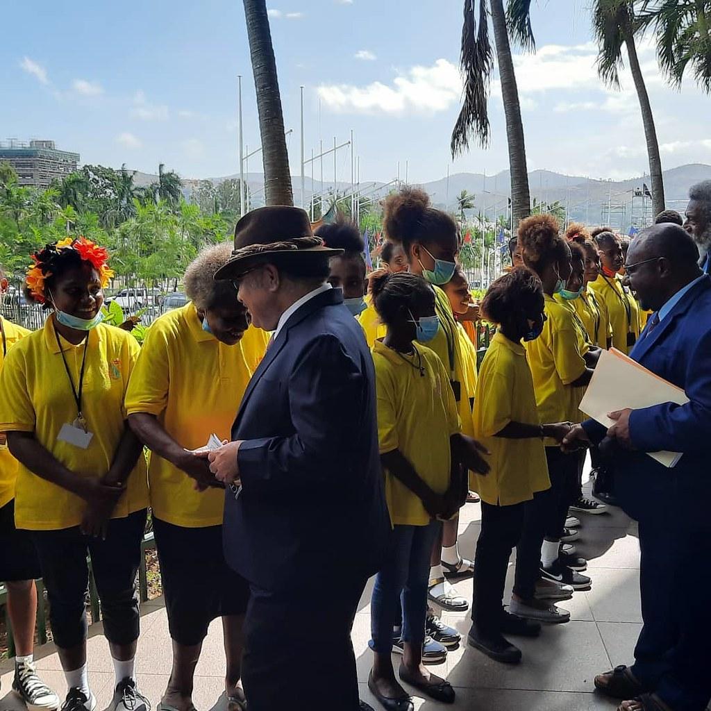 Papúa Nueva Guinea - Encuentro de los niños de la Orquesta con el Primer Ministro y miembros del Parlamento