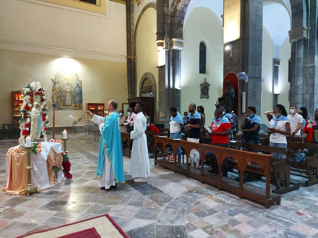 Túnez - Natividad de la Virgen María en la Catedral con los Legionarios