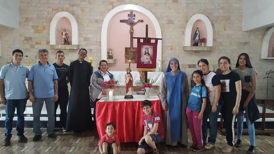 Paraguay - Peregrinación con el grupo de consagrados al Sagrado Corazón de la tercera orden a la capilla San Miguel Arcángel, Acaray