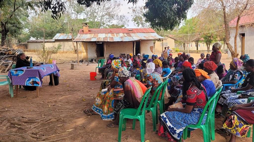 """Tanzania - Fin de semana con las """"wawata"""" - mujeres católicas de la parroquia"""