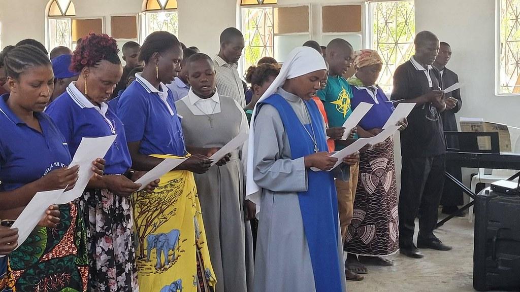 Tanzania - Consagración a la Virgen