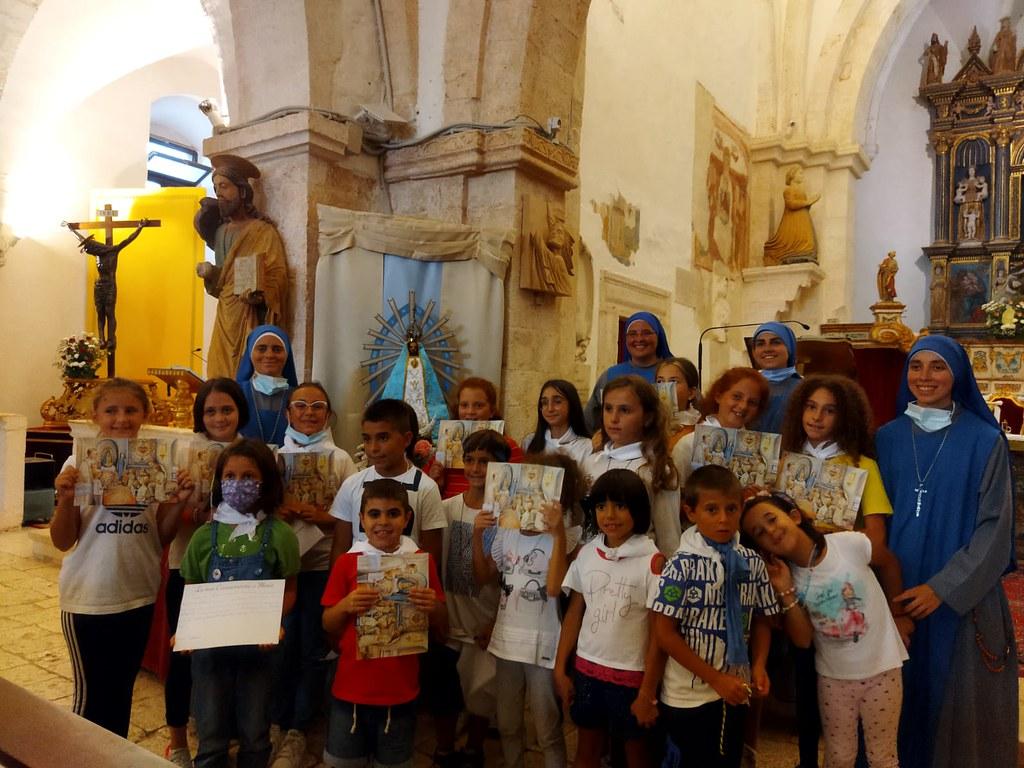 Italia - Consagración de los niños a María en Conversano
