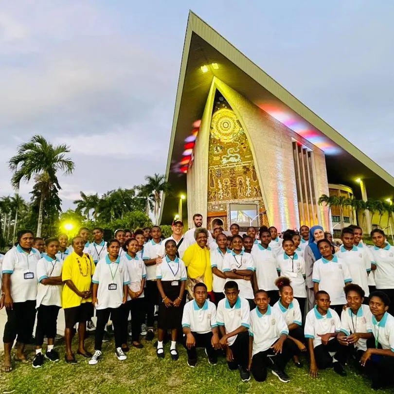 Papúa Nueva Guinea - Día de la Independencia en el Parlamento Nacional