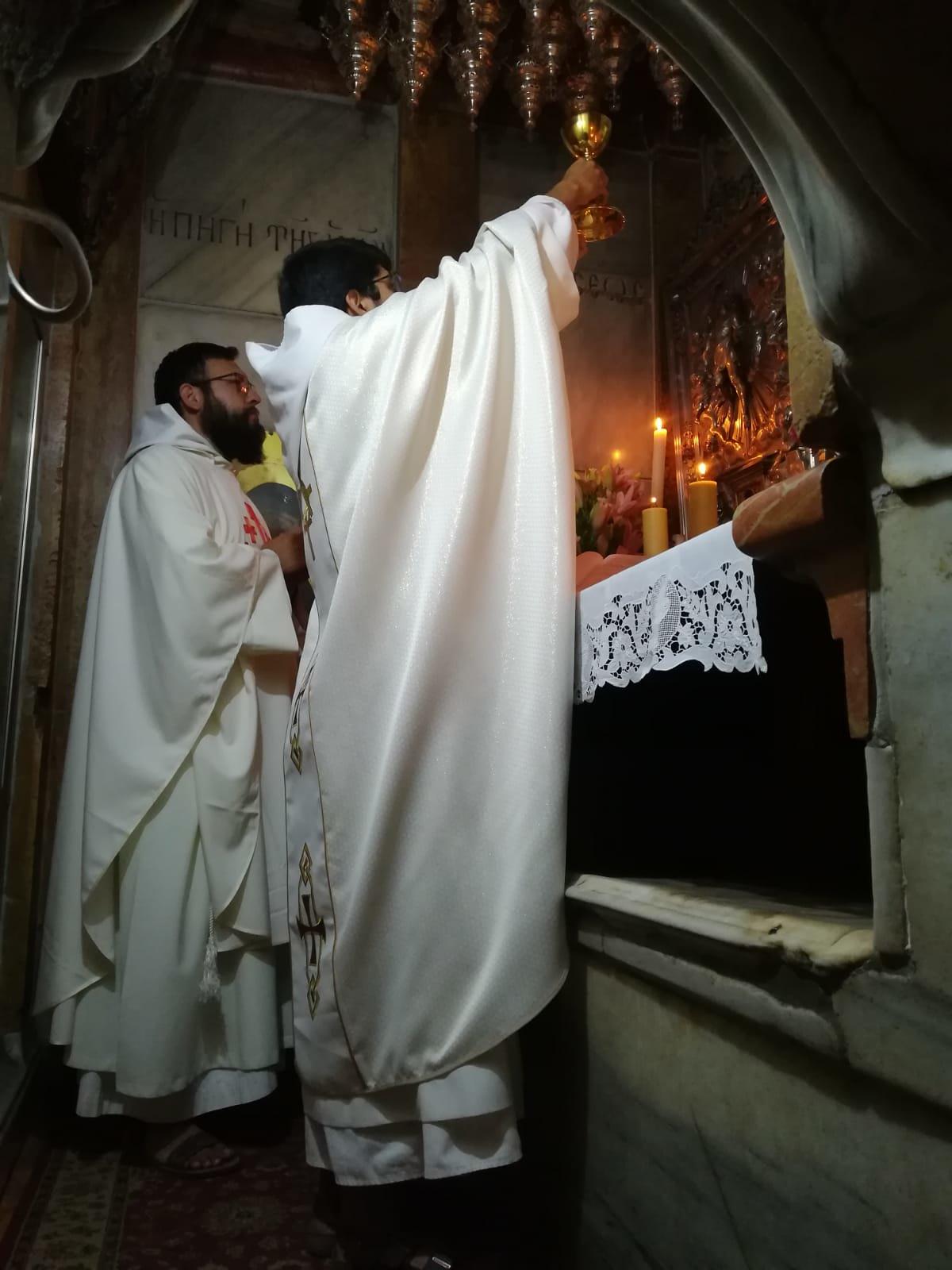 Tierra Santa - Santa Misa en el Santo Sepulcro de los Monjes en Séforis