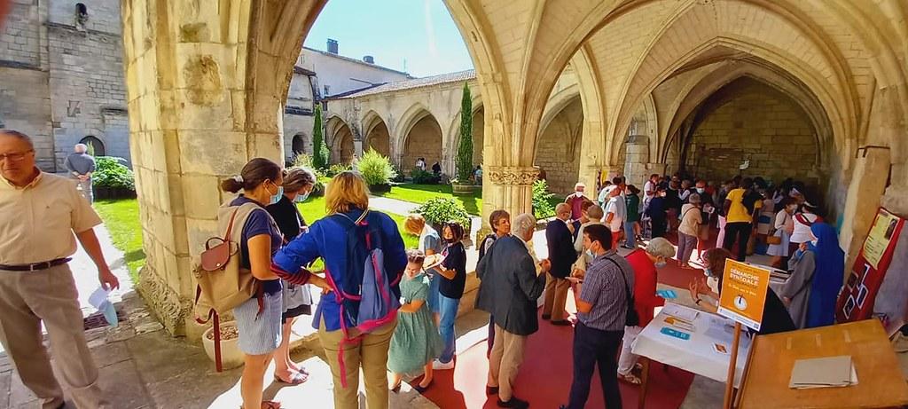 Francia - Regreso de las actividades parroquiales en Saintes