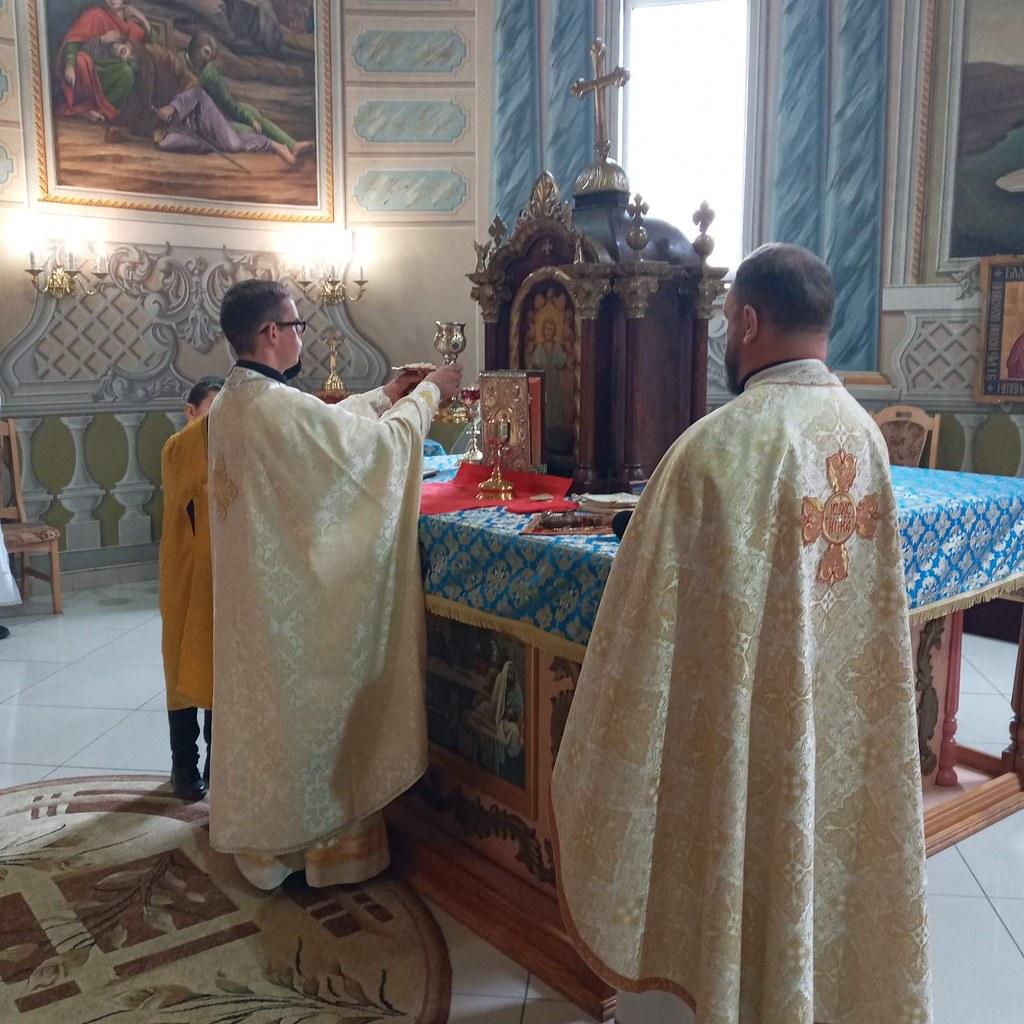 Ucrania - Misa del neo-sacerdote Simeone en la Parroquia