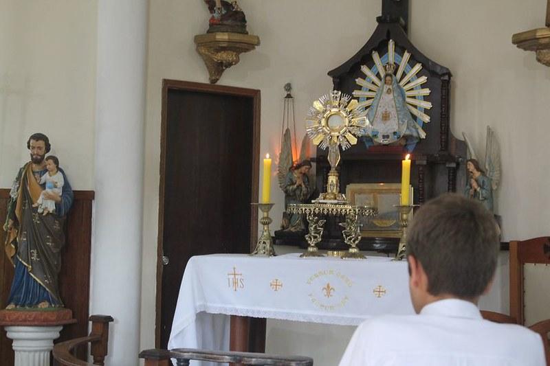 Brasil - Adoración Eucarística en el Seminario Menor