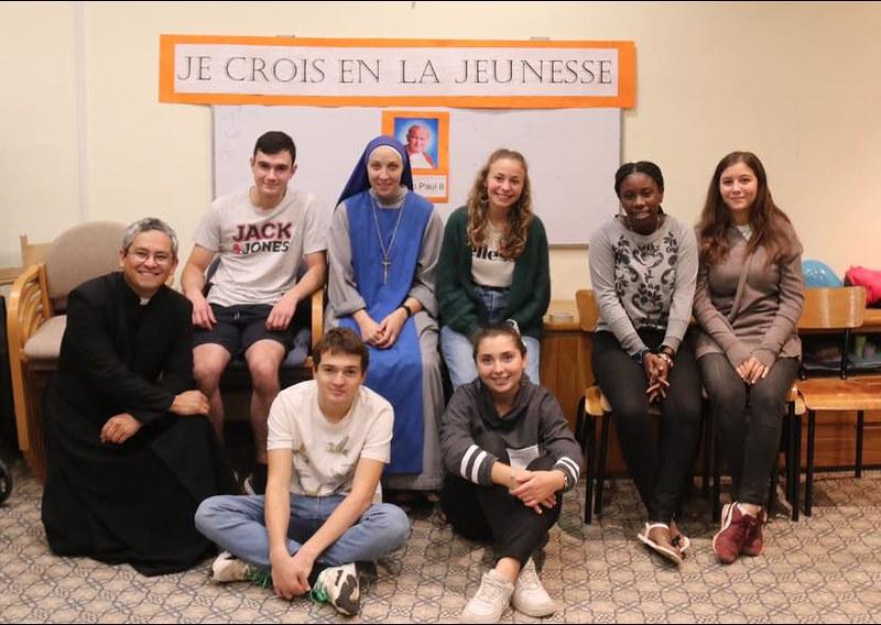 Francia - Primer encuentro de jóvenes