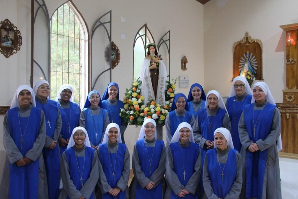 Brasil - Celebración de Santa Teresita del Niño Jesús, patrona del Noviciado contemplativo en Brasil