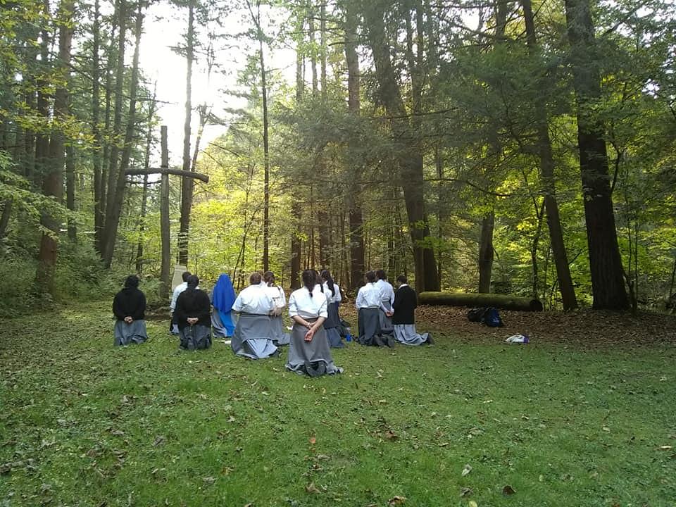 Estados Unidos - Peregrinación del Noviciado Santa Kateri Tekakwitha al Santuario de los Mártires y Sta. Kateri en Auriesville, Nueva York