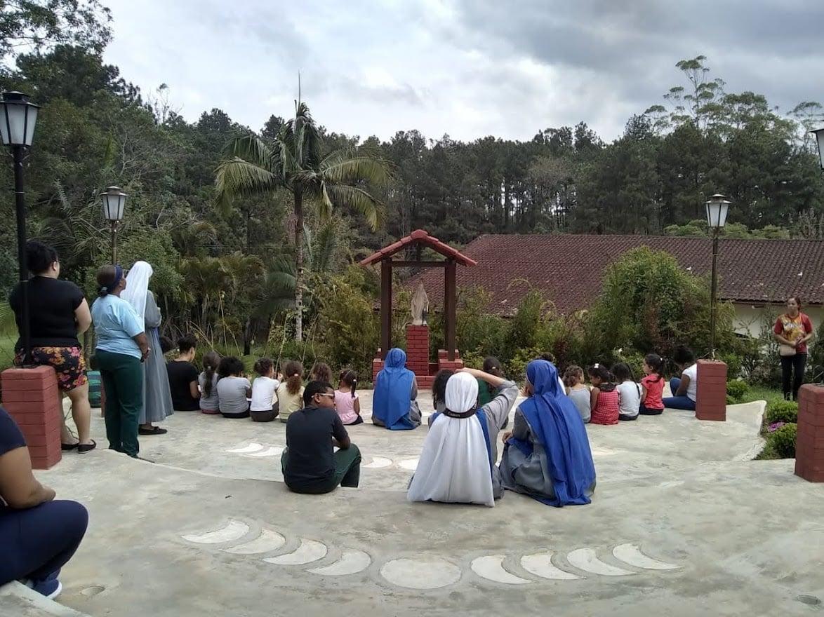Brasil - Retiro de las Hijas de María en la Parroquia Nuestra Señora del Buen Viaje