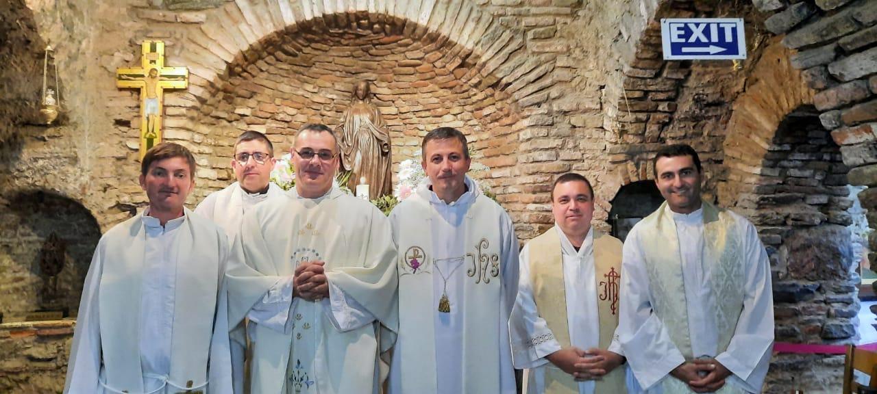 Asia Central - Convivencia de los sacerdotes, visita a Éfeso
